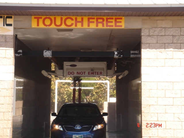 Car washes for sale this wash has it all conveyorized tunnel wash friction automatic touchless automatic even self service bays great friendly community solutioingenieria Gallery