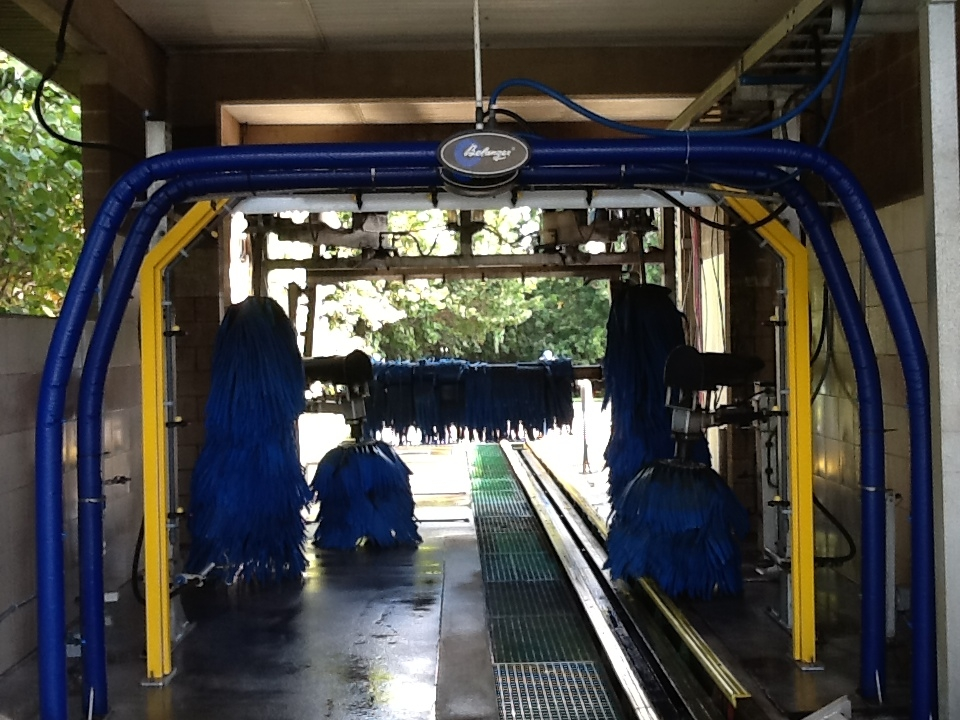 Tunnel Car Wash With Automatic